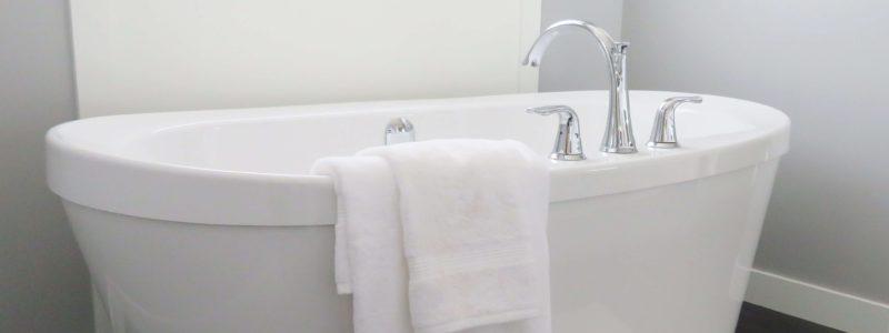 od czego zacząć remont łazienki - jasna łazienka
