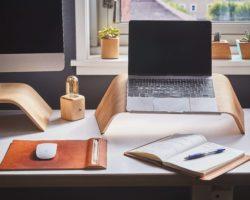 jak siedzieć przy komputerze praca w domu